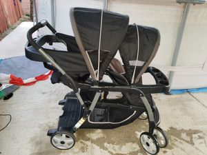 Graco double stroller for Sale in Baldwin Park, CA
