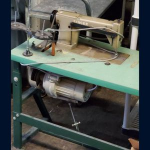 Industrial Sewing Machine Singer for Sale in Fort Lauderdale, FL