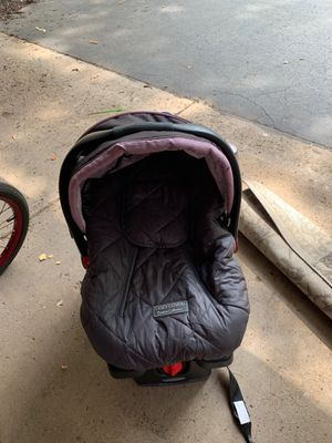 Graco Snugride35 car seat with base. Winter cover. for Sale in STELA NIAGARA, NY