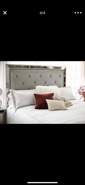 King size headboard and bed frame for Sale in St. Charles, IL
