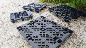 Plastic skids for Sale in Ravenna, OH