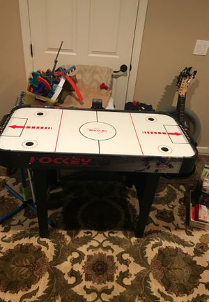 Air hockey table for Sale in Mount Sinai, NY