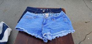 2 Women Shorts Size 5 for Sale in Baldwin Park, CA