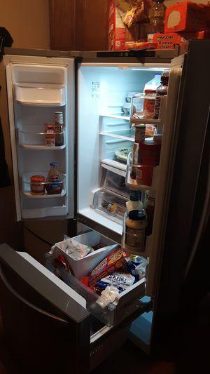 LG refrigerator for Sale in Peoria, IL