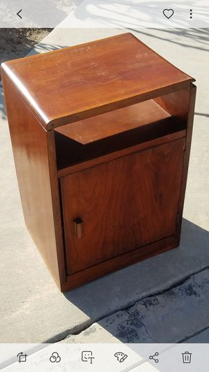 Mid century modern end table for Sale in Modesto, CA