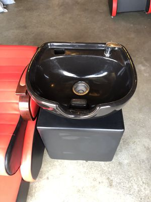 Shampoo bowl and chair for Sale in Smyrna, DE