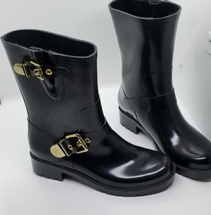 Size 8 Vince Camuto Rain boots for Sale in Rosemead, CA