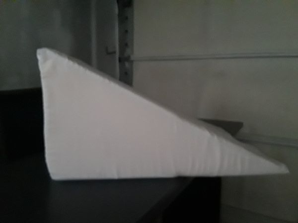 Pillow Wedge For Sale In Aberdeen Wa Offerup