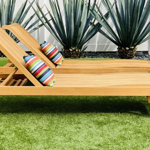 Teak Chaise Loungers by Smith & Hawken / Patio / Outdoor / All Original / Home & Garden / Furniture / Pillows Not included / Like New for Sale in Tijuana, MX