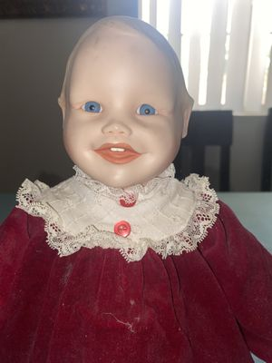 Antique Doll Collection- very delicate for Sale in Pomona, CA