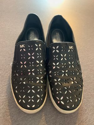 Michael kors size 8,5 shoes for Sale in Justice, IL