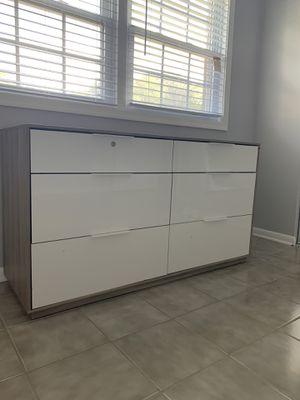 Dresser for Sale in Springfield, VA