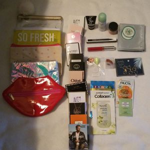 MAKEUP BAGS WITH BEAUTY BOX PRODUCTS for Sale in Bonney Lake, WA