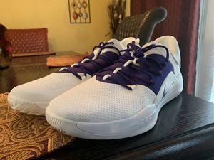Nike hyperdunk zoom shoes size 17.5 for Sale in Ellenwood, GA