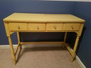 Vanity desk for Sale in Imperial, MO