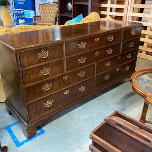 Henredon Dresser for Sale in Vancouver, WA