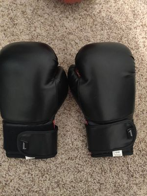 Primo Red and Black Boxing Gloves for Sale in Phelan, CA