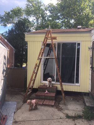 10' Werner Wooden Step Ladder for Sale in Westland, MI