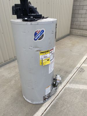 50 gallon water heater 2019 for Sale in Perris, CA