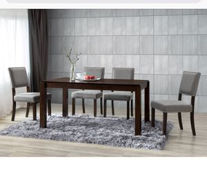 Beautiful modern dining table wit 4 chairs for Sale in Chicago, IL