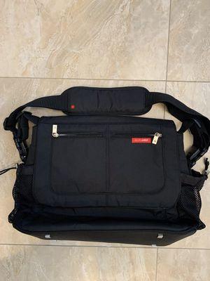 Skip Hop Via Messenger Diaper Cross Body Bag Black for Sale in Carle Place, NY