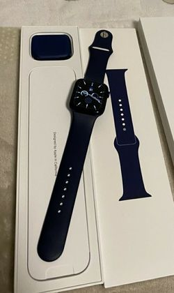 Apple Watch 5 40mm - Finance Option - Same Day Pickup for Sale in New York,  NY