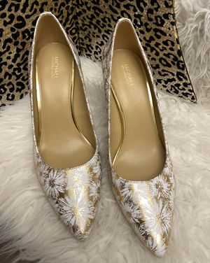 Brand New Gorgeous Gold and White Michael Kors Pumps for Sale in La Porte, TX