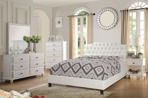 4PCs Cali King Bedroom Set 🔥🔥🔥 (Bed, Nightstand, Dresser, And Mirror) for Sale in Fresno, CA