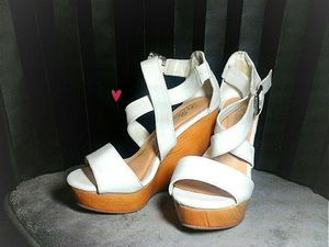 NEW WEDGE HEELS [♥SIZE 6 1/2♥]♡ for Sale in Los Angeles, CA