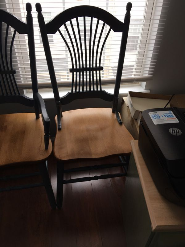 Ethan Allen Dining Table w/ leaf and 4 chairs