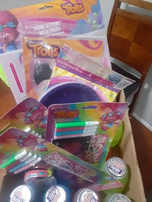 Trolls bday party supplies for Sale in Houston, TX