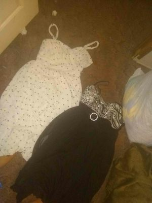 2 dresses for Sale in Soperton, GA