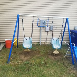 Swing set for Sale in Reynoldsburg, OH