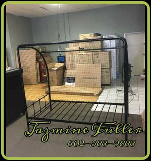 Twin size platform bed frame with soccer net for Sale in Peoria, AZ