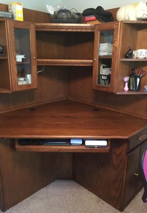 Corner Desk for Sale in Uniontown, OH