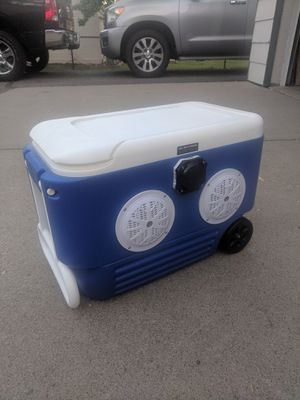 IGLOO Portable Bluetooth Speaker System for Sale in Minneapolis, MN