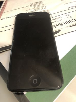 iPhone 5 (16 GB Unlocked) for Sale in Los Angeles, CA