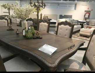 Brand New🎗Kiera Gray Formal Dining Set byCrown Mark  7-Piece (Table+6 Side Chairs) for Sale in New Castle,  DE