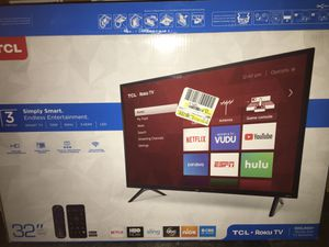 Tcl 32in roku tv adult owned got it a week ago don't use it for Sale in Beverly Hills, FL