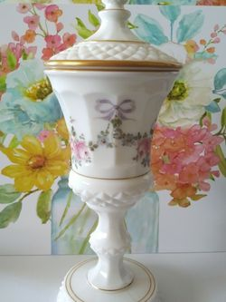 Vintage Milk Glass Urn / Vase w/ Lid for Sale in Los Angeles,  CA