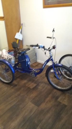 Izip tricycle for Sale in Las Vegas, NV