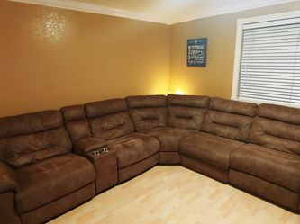 Reclining Sectional Couch for Sale in Tacoma,  WA