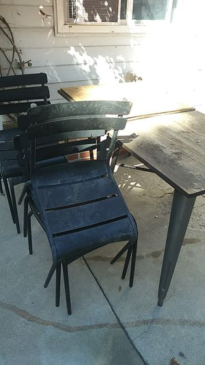 Table & chairs for Sale in San Bernardino, CA