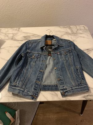 NEW Levi's jacket medium for Sale in Denver, CO