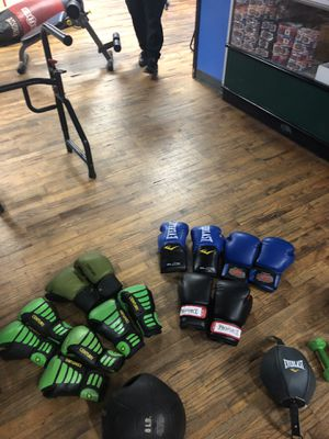 Boxing gloves for Sale in CT, US
