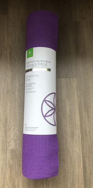 "Gaiam Premium Yoga Mat - 68"" L x 24"" W 6mm Thick - Reversible - Purple for Sale in Dickerson, MD"