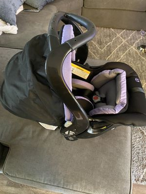 Baby Trend Infant Car Seat & Base *BRAND NEW* for Sale in Turlock, CA