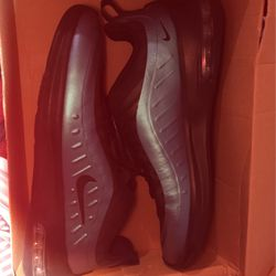 Nike Air Max Axis for Sale in Gilmer,  TX