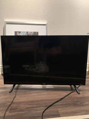 33 inch TCL smart flatscreen tv for Sale in Los Angeles, CA