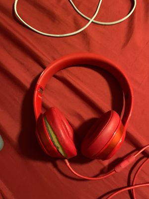 Beats by Dr.Dre Beats solo 2 product red for Sale in Perris, CA